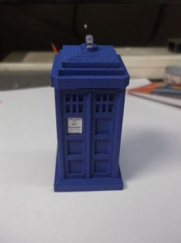 O Scale Police Box with Flashing Blue Light